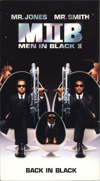 Men in Black II VHS cover. Action comedy sci-fi movie starring Tommy Lee Jones, Will Smith. With Rip Torn, Lara Flynn Boyle, Johnny Knoxville, Rosario Dawson, Tony Shalhoub, David Cross. Directed by Barry Sonnenfeld. 2002.